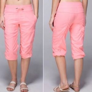 Lululemon Studio Crop in Bleached Coral Size 4